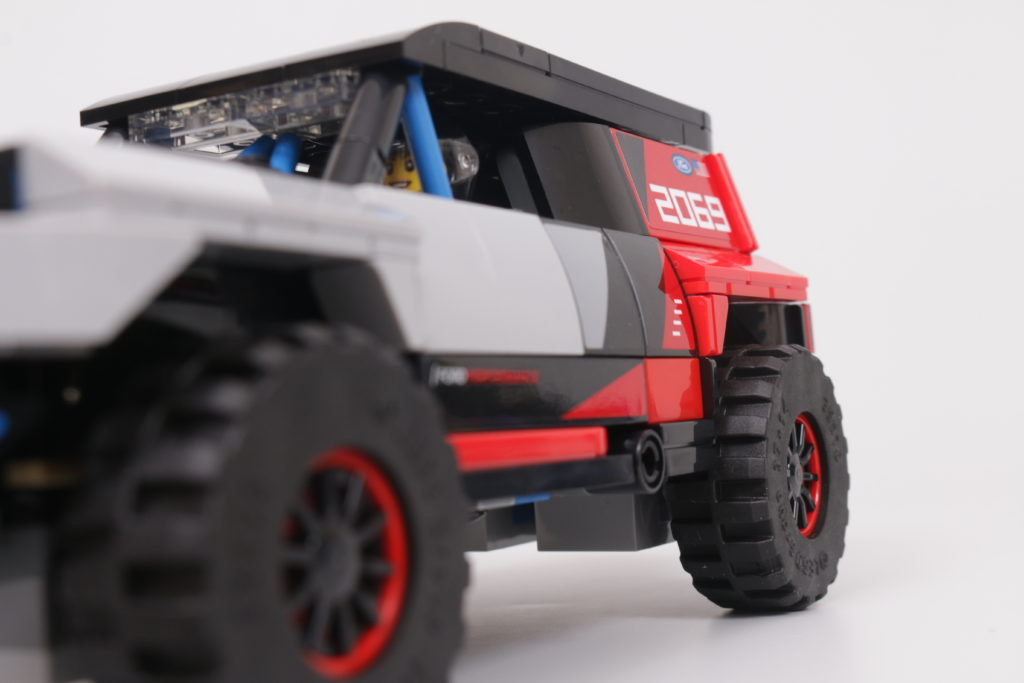 LEGO Speed Champions 76905 Ford GT Heritage Edition and Bronco R review 42