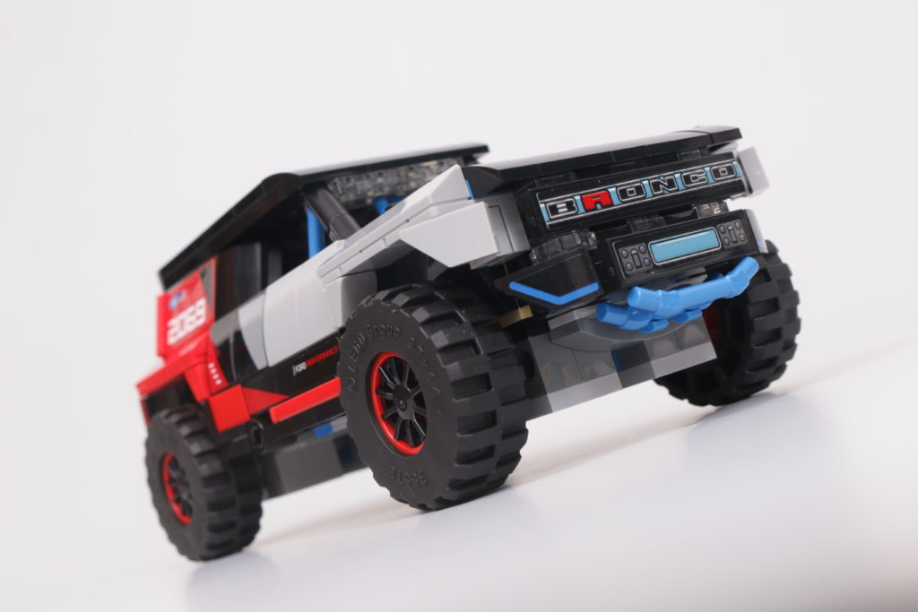 LEGO Speed Champions 76905 Ford GT Heritage Edition and Bronco R review 43