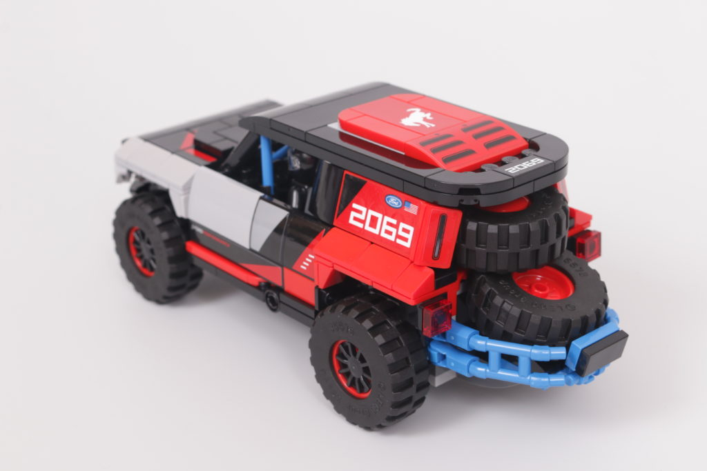 LEGO Speed Champions 76905 Ford GT Heritage Edition and Bronco R review 45