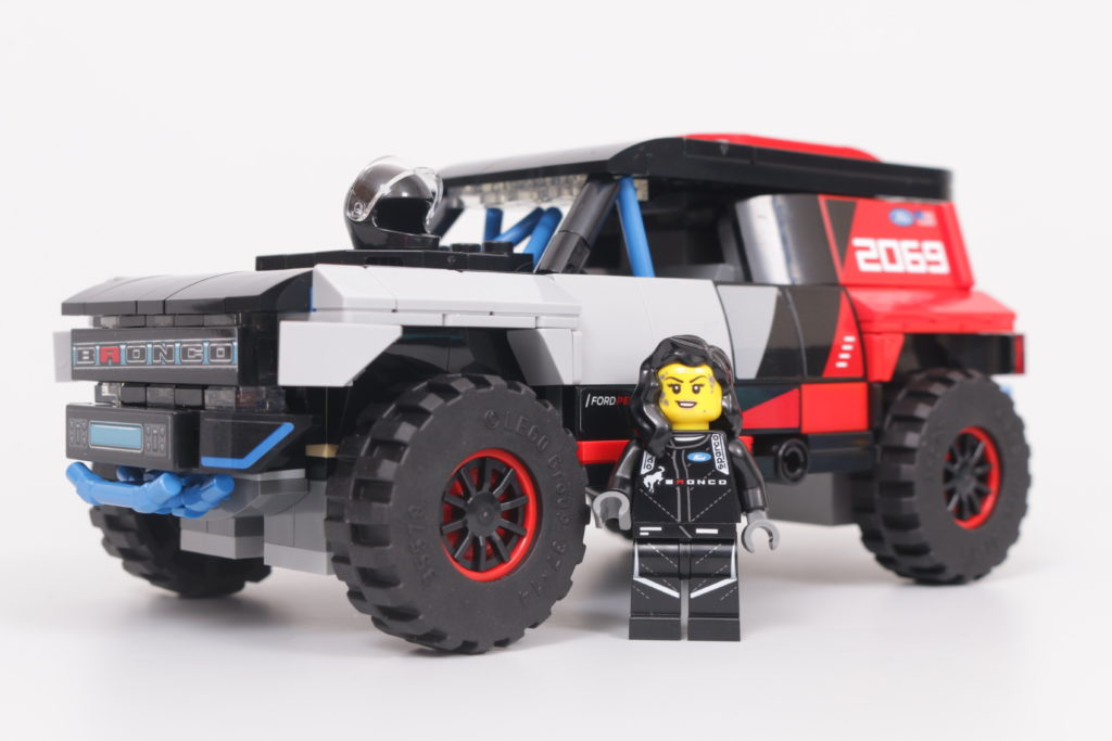 LEGO Speed Champions 76905 Ford GT Heritage Edition and Bronco R review 46