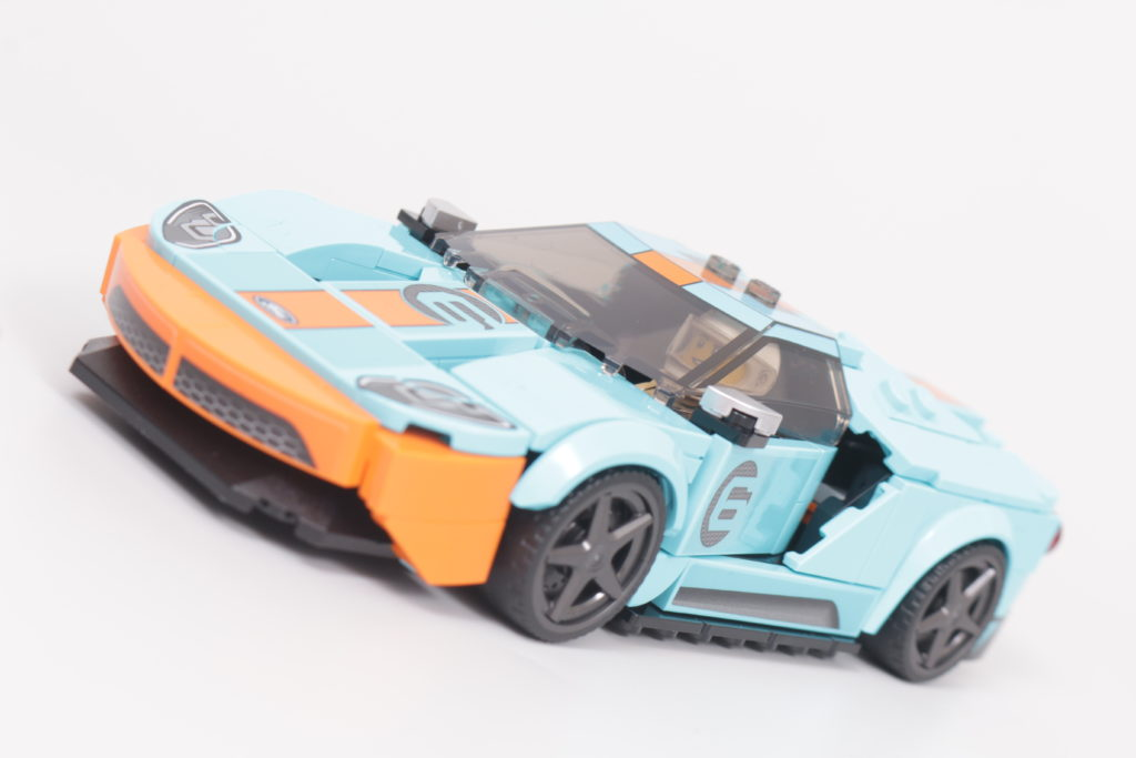 LEGO Speed Champions 76905 Ford GT Heritage Edition and Bronco R review 6