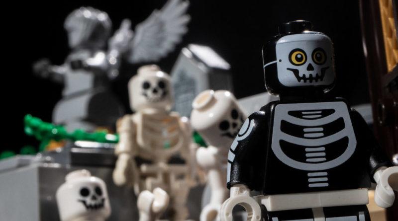 LEGO Spooky 800x445