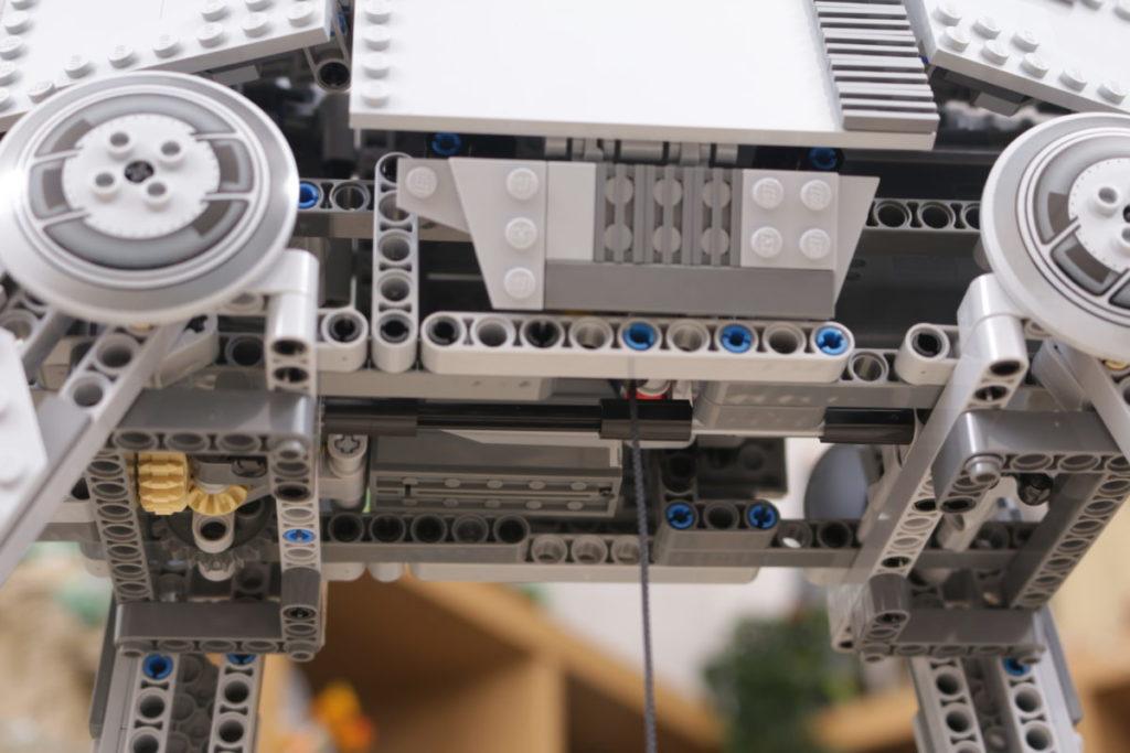 LEGO Star Wars 10178 Motorized Walking AT AT review 11