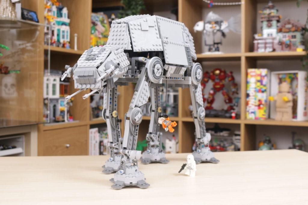 LEGO Star Wars 10178 Motorized Walking AT AT review 17