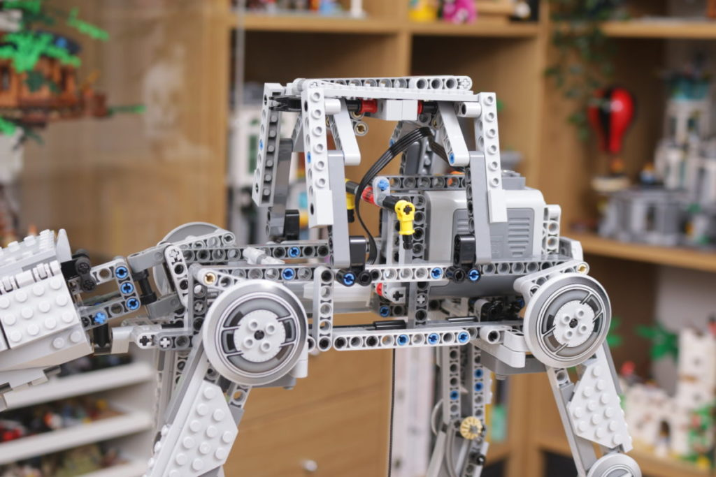LEGO Star Wars 10178 Motorized Walking AT AT review 18