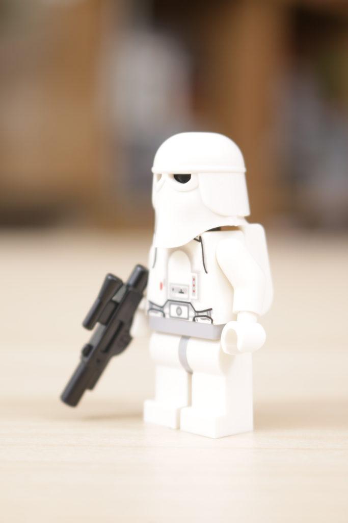 LEGO Star Wars 10178 Motorized Walking AT AT review 34