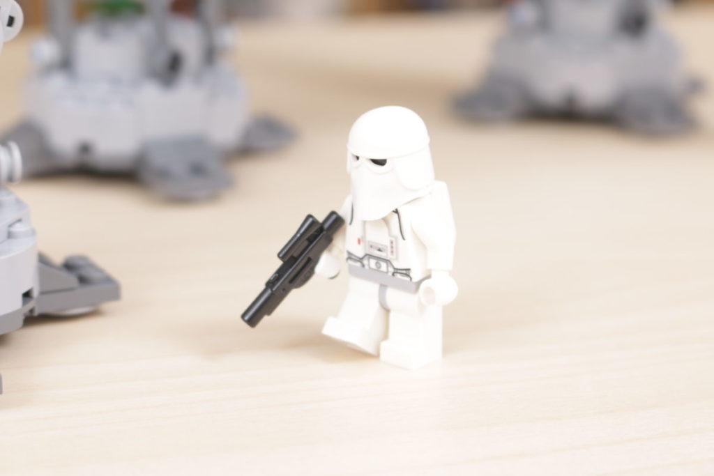 LEGO Star Wars 10178 Motorized Walking AT AT review 4