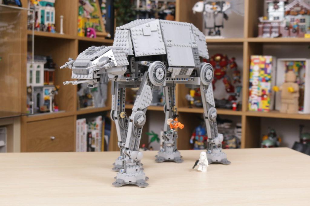 LEGO Star Wars 10178 Motorized Walking AT AT review 44
