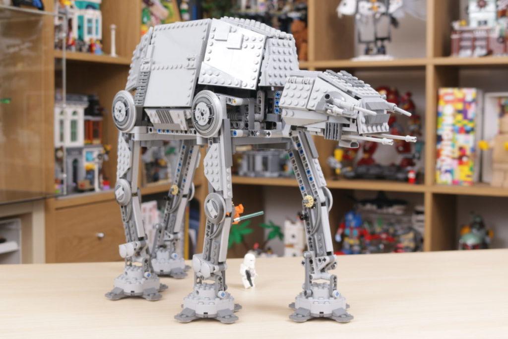 LEGO Star Wars 10178 Motorized Walking AT AT review 6