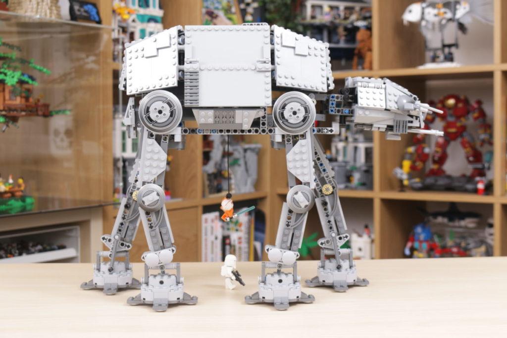 LEGO Star Wars 10178 Motorized Walking AT AT review 7