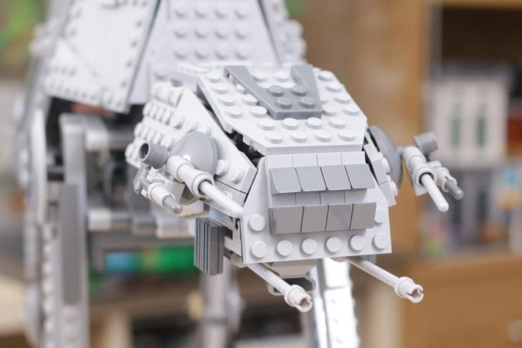 LEGO Star Wars 10178 Motorized Walking AT AT review 9