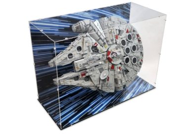 10% off LEGO Star Wars Millennium Falcon display cases and stands at iDisplayit