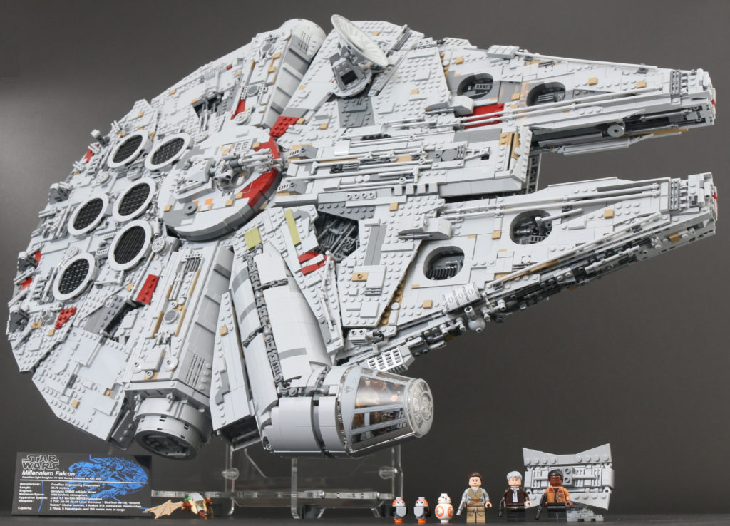 LEGO Star Wars 75192 UCS Ultimate Collectors Series Millennium Falcon Review 1