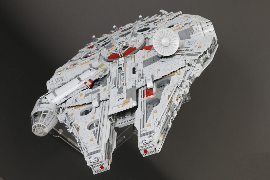 LEGO Star Wars 75192 UCS Ultimate Collectors Series Millennium Falcon Review 13