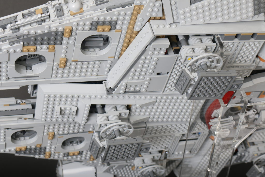 LEGO Star Wars 75192 UCS Ultimate Collectors Series Millennium Falcon Review 19