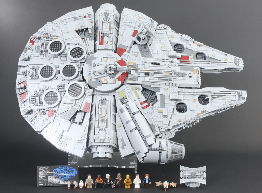 LEGO Star Wars 75192 UCS Ultimate Collectors Series Millennium Falcon Review 2