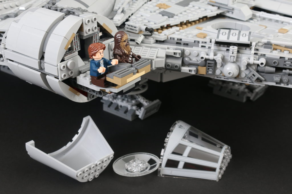 LEGO Star Wars 75192 UCS Ultimate Collectors Series Millennium Falcon Review 24