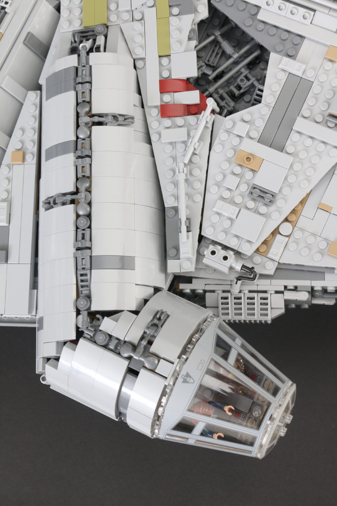 LEGO Star Wars 75192 UCS Ultimate Collectors Series Millennium Falcon Review 27
