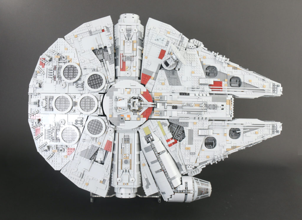 LEGO Star Wars 75192 UCS Ultimate Collectors Series Millennium Falcon Review 3 1