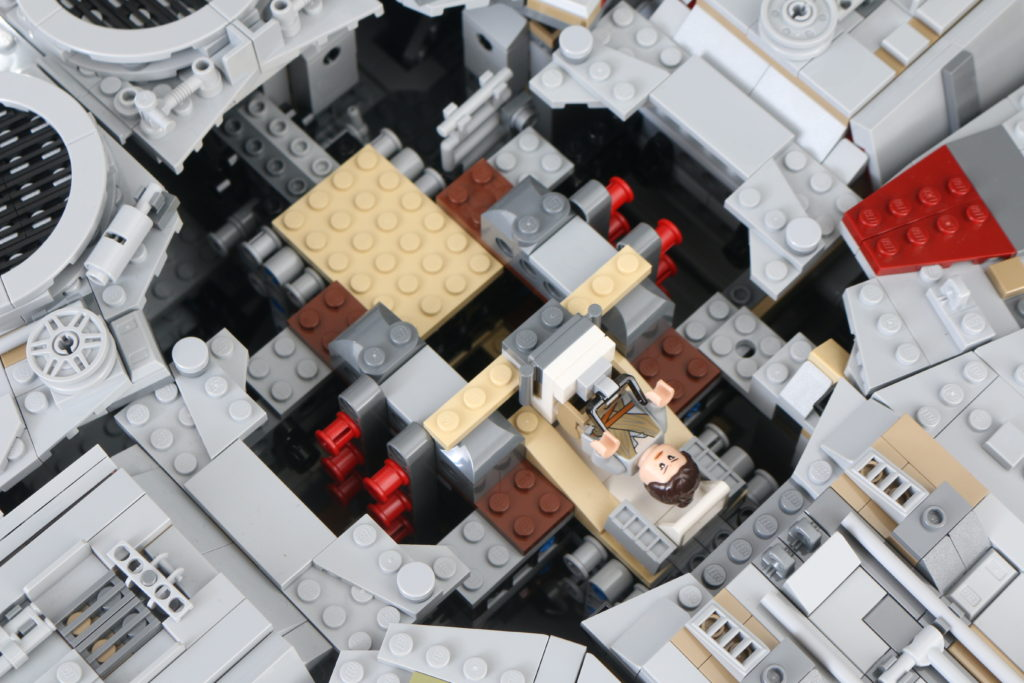 LEGO Star Wars 75192 UCS Ultimate Collectors Series Millennium Falcon Review 31