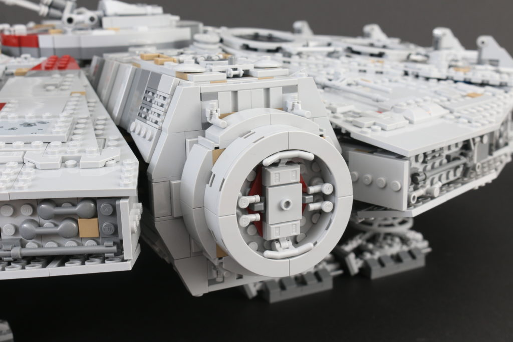 LEGO Star Wars 75192 UCS Ultimate Collectors Series Millennium Falcon Review 34