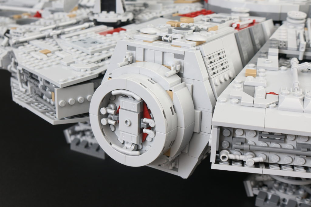 LEGO Star Wars 75192 UCS Ultimate Collectors Series Millennium Falcon Review 35