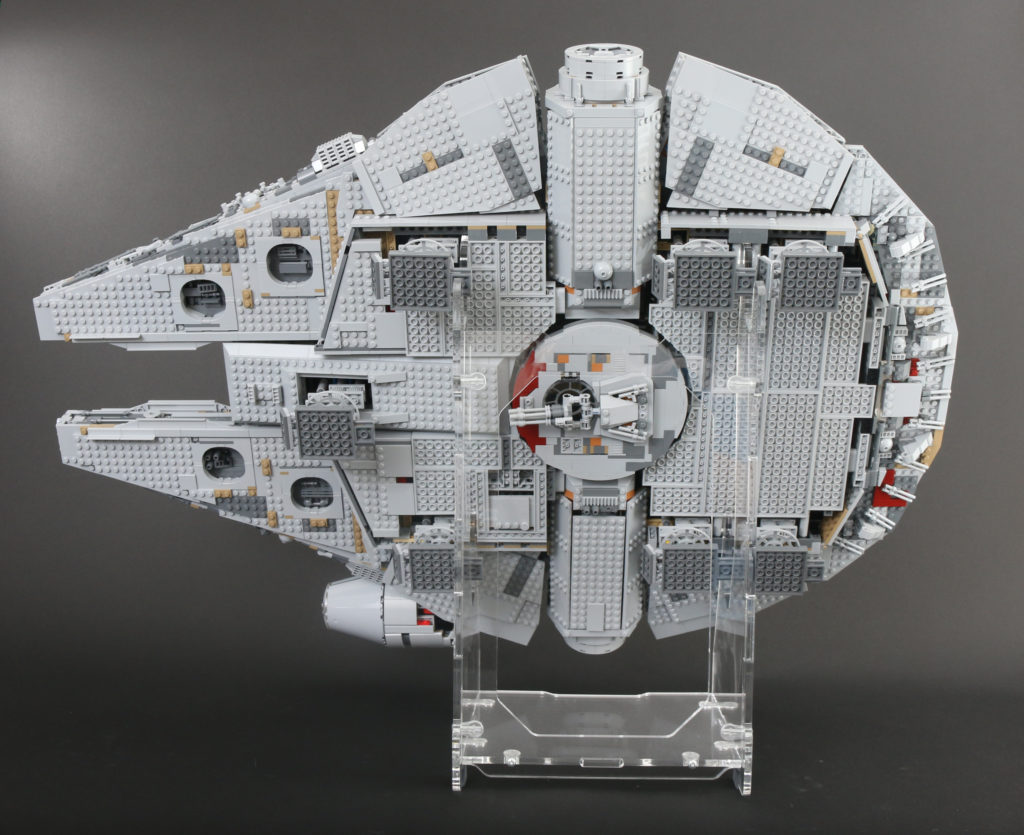 LEGO Star Wars 75192 UCS Ultimate Collectors Series Millennium Falcon Review 4