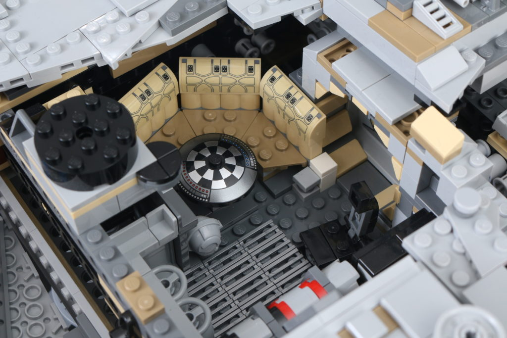 LEGO Star Wars 75192 UCS Ultimate Collectors Series Millennium Falcon Review 40