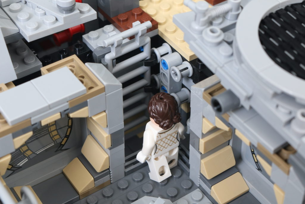 LEGO Star Wars 75192 UCS Ultimate Collectors Series Millennium Falcon Review 48