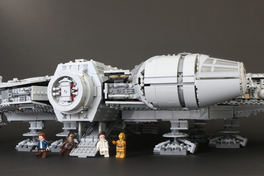 LEGO Star Wars 75192 UCS Ultimate Collectors Series Millennium Falcon Review 51