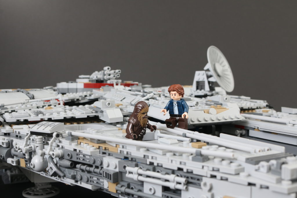 LEGO Star Wars 75192 UCS Ultimate Collectors Series Millennium Falcon Review 61