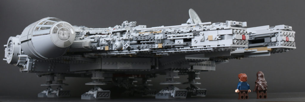 LEGO Star Wars 75192 UCS Ultimate Collectors Series Millennium Falcon review 62