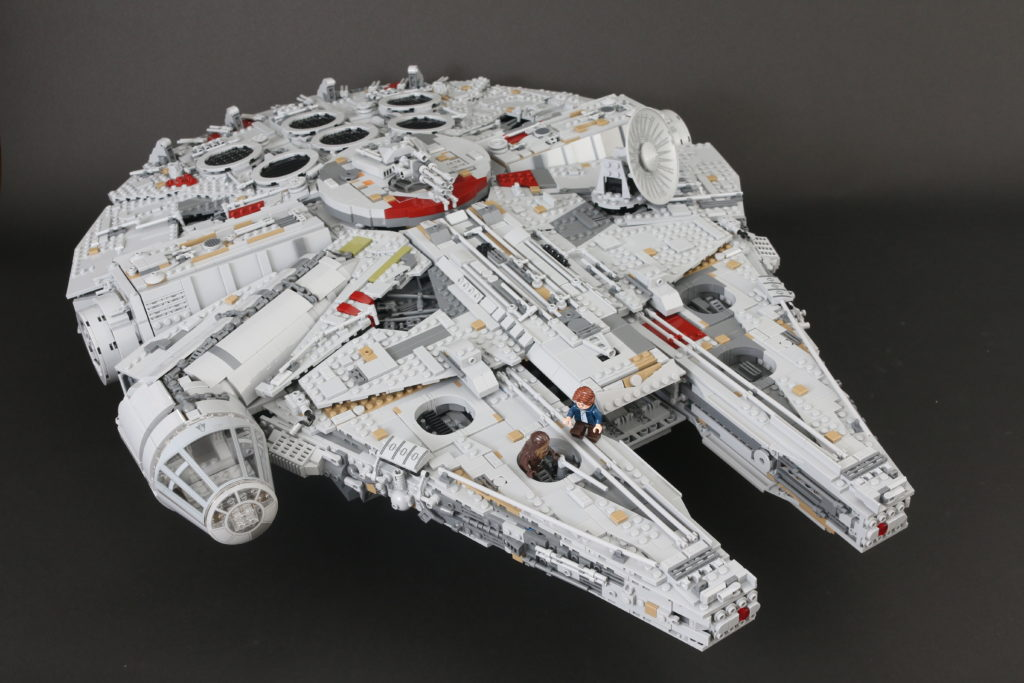 LEGO Star Wars 75192 UCS Ultimate Collectors Series Millennium Falcon Review 8