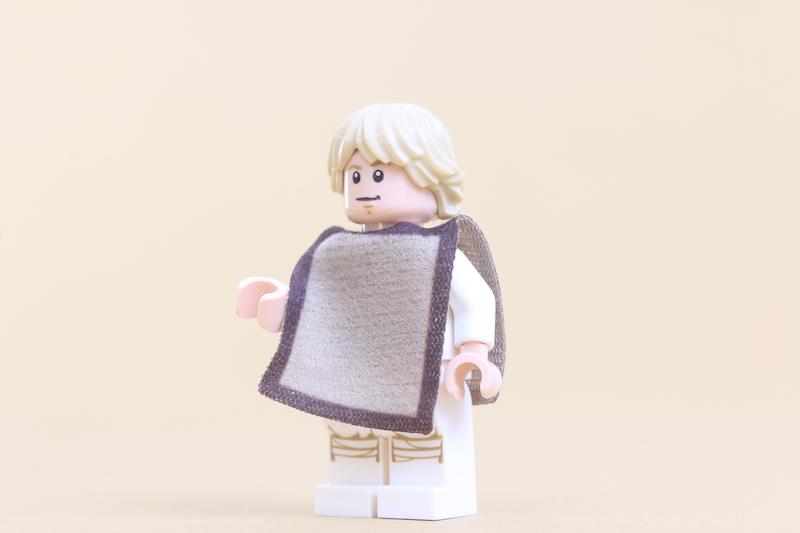 LEGO Star Wars 75271 Luke Skywalker's Landspeeder Review 13