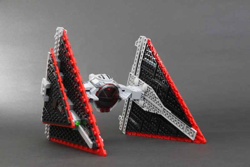LEGO Star Wars 75272 Sith TIE Fighter Review 20