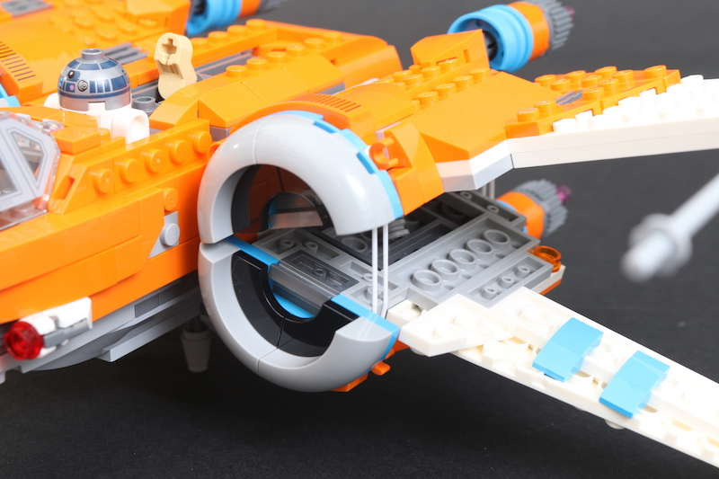 LEGO Star Wars 75273 Poe Dameron's X Wing Fighter Review 37