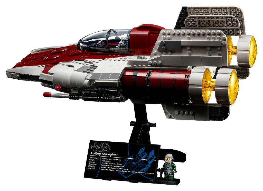 LEGO Star Wars 75275 UCS A Wing 16