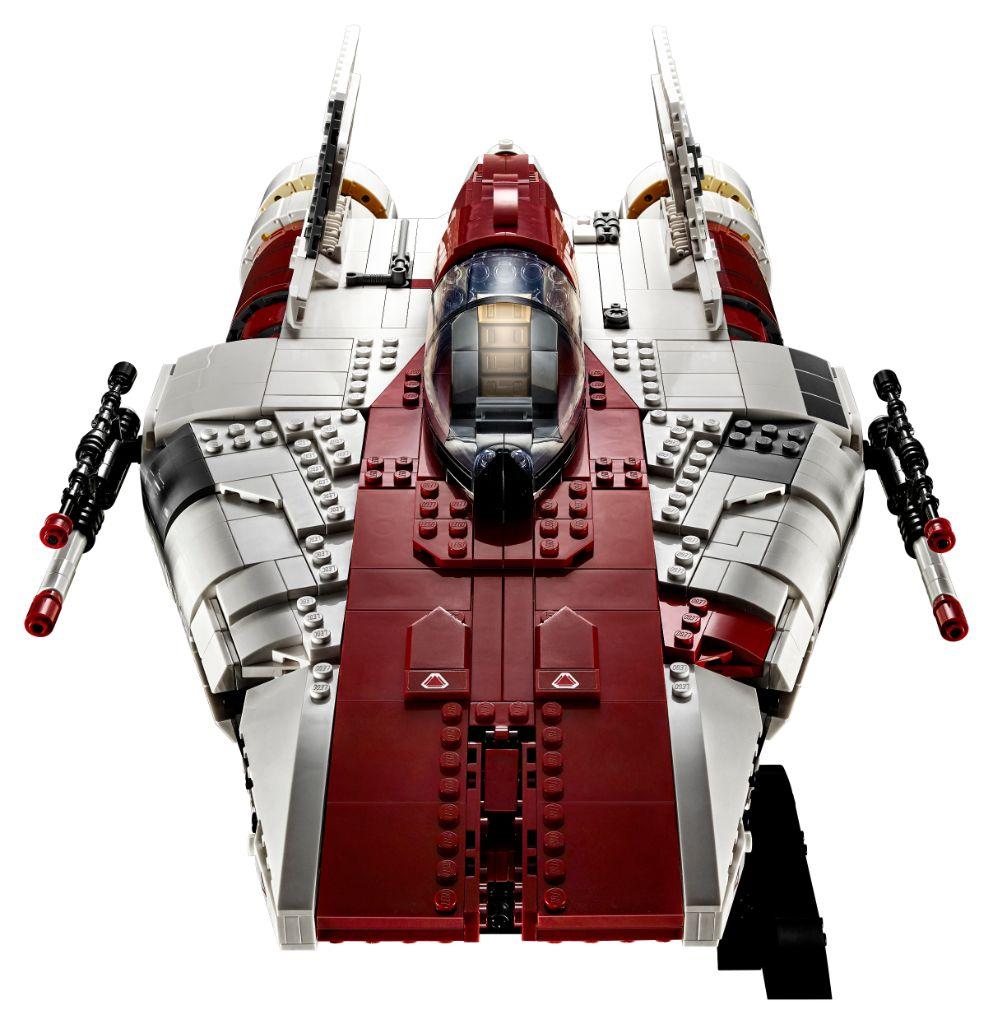 LEGO Star Wars 75275 UCS A Wing 17