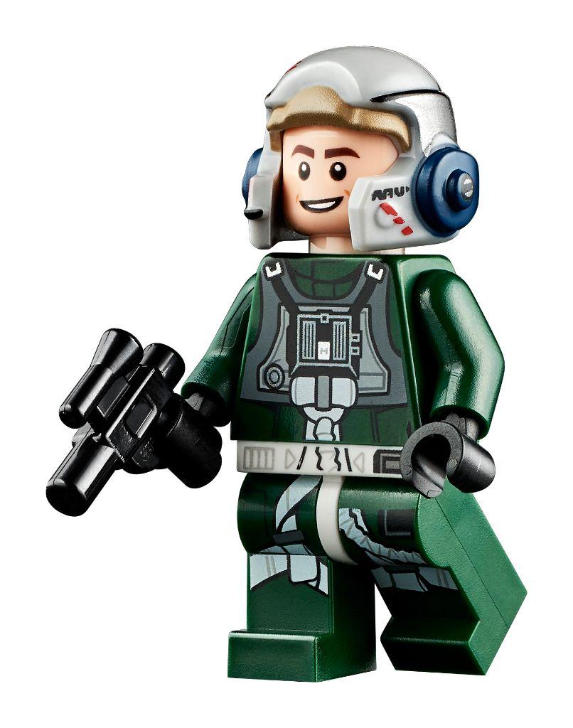 LEGO Star Wars 75275 UCS A Wing 21