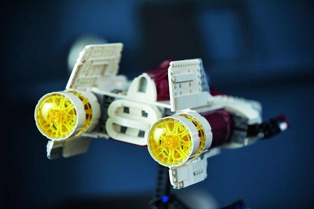 LEGO Star Wars 75275 UCS A Wing 30