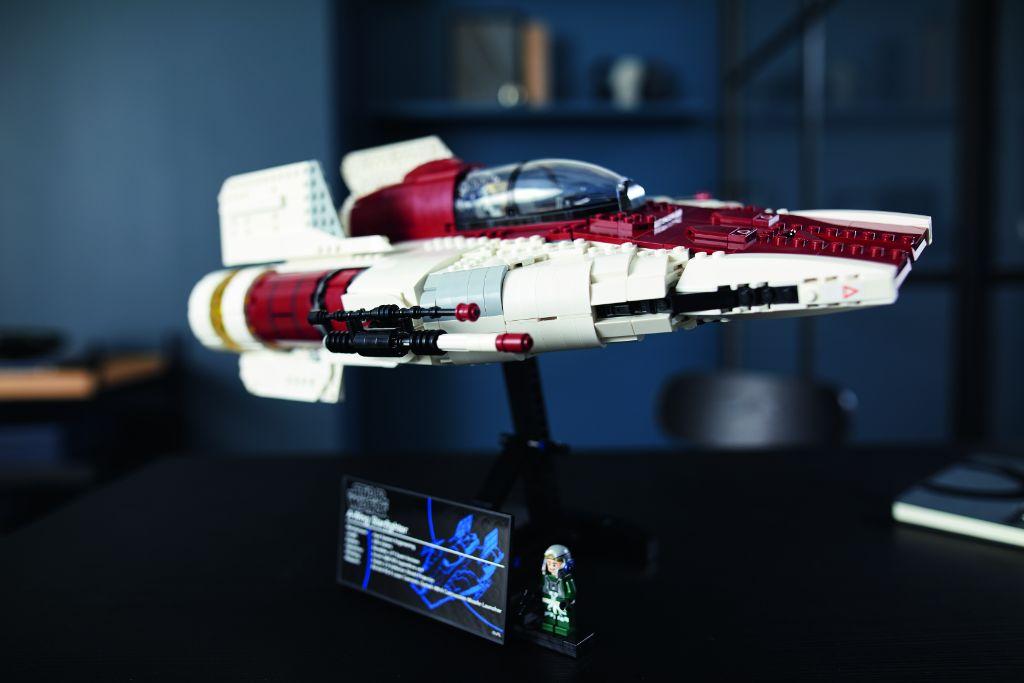 LEGO Star Wars 75275 UCS A Wing 33