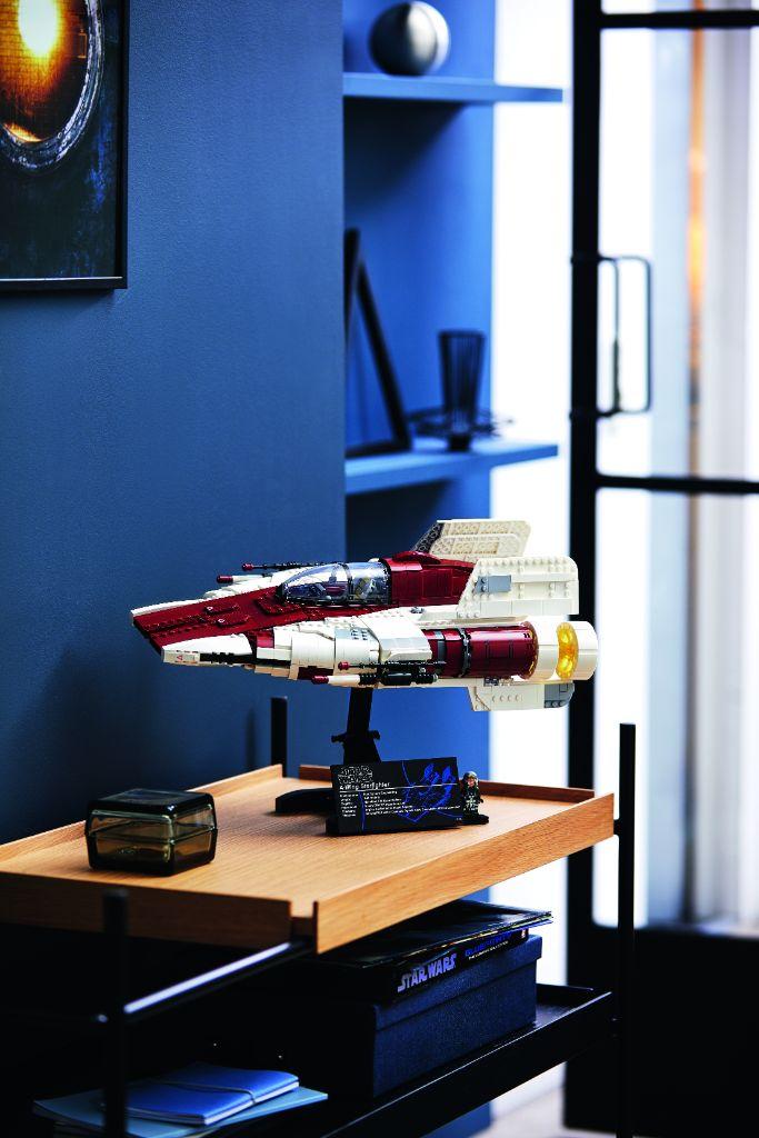 LEGO Star Wars 75275 UCS A Wing 38