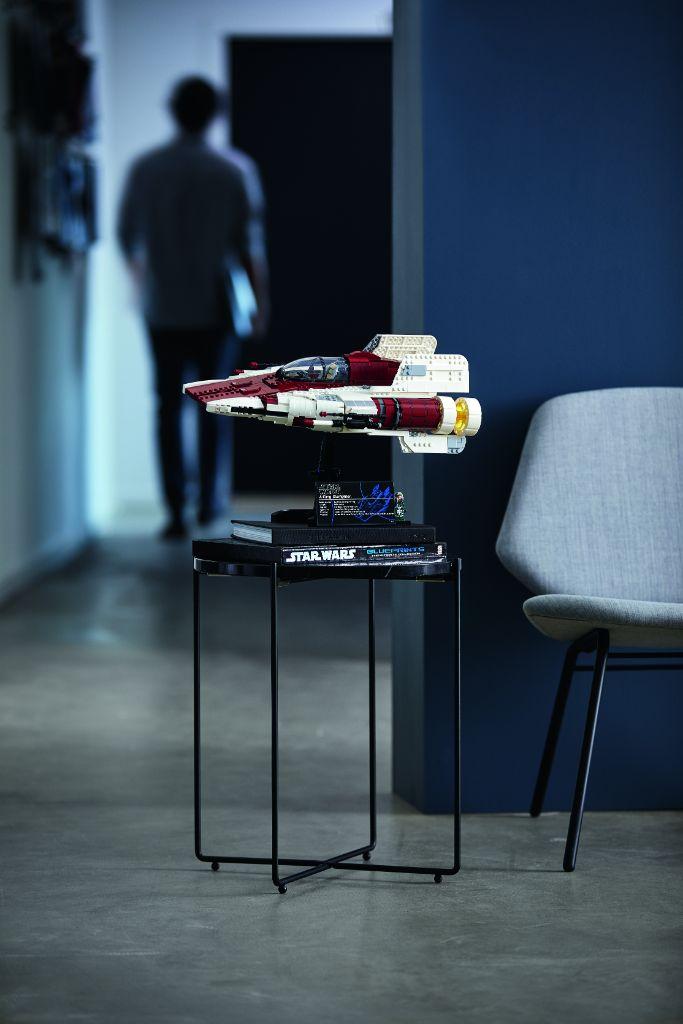 LEGO Star Wars 75275 UCS A Wing 40