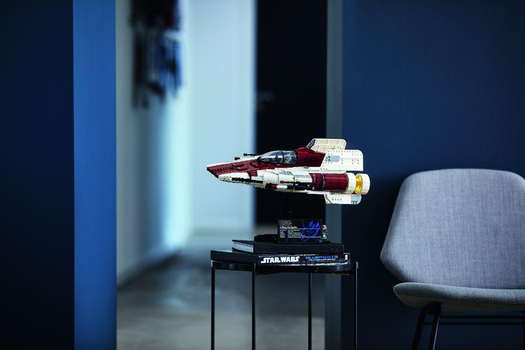 LEGO Star Wars 75275 UCS A Wing 41