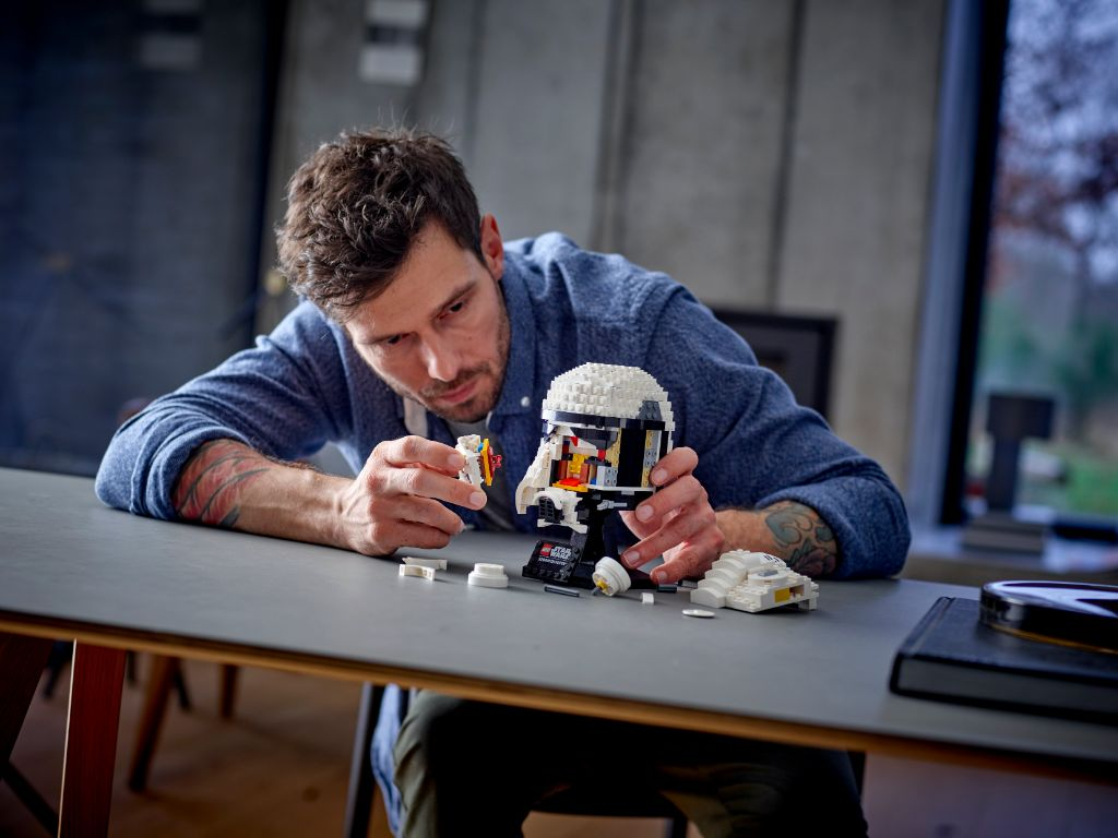 LEGO Star Wars 75276 Stormtrooper Helmet 4