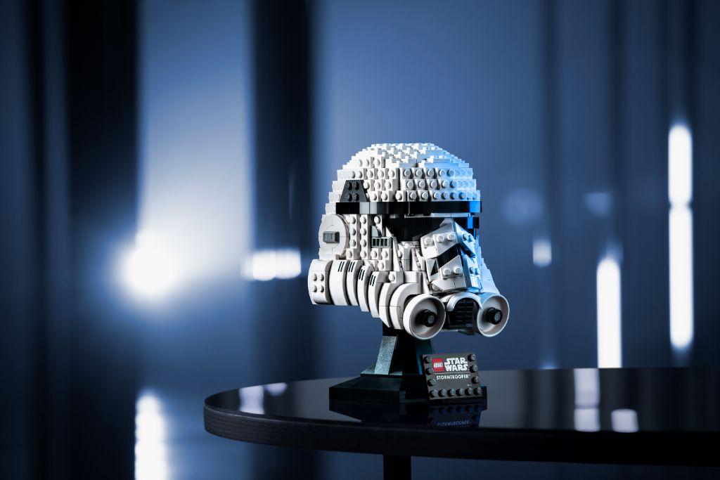 LEGO Star Wars 75276 Stormtrooper Helmet 7