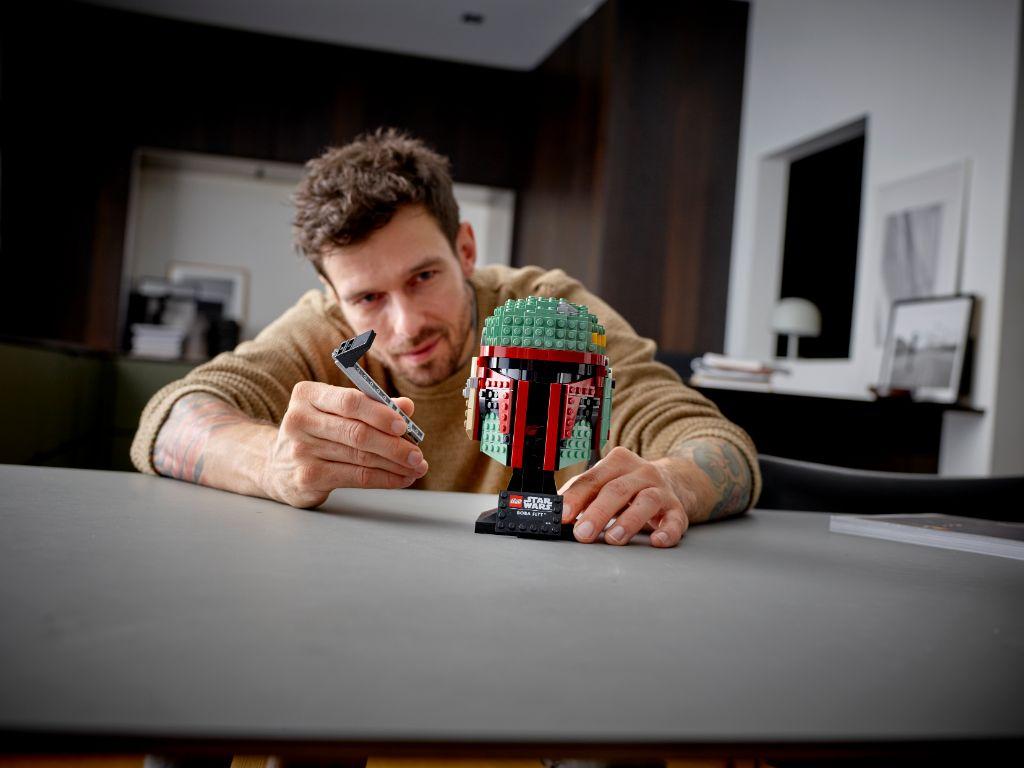 LEGO Star Wars 75277 Boba Fett Helmet 7
