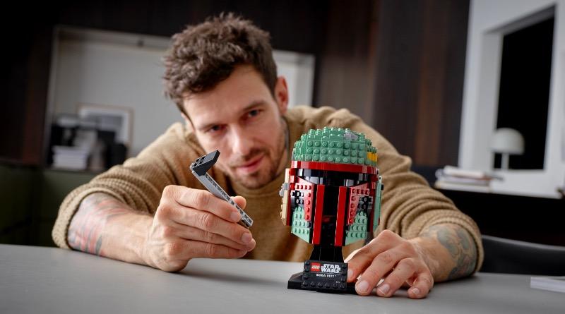 LEGO Star Wars 75277 Boba Fett Helmet Featured 1