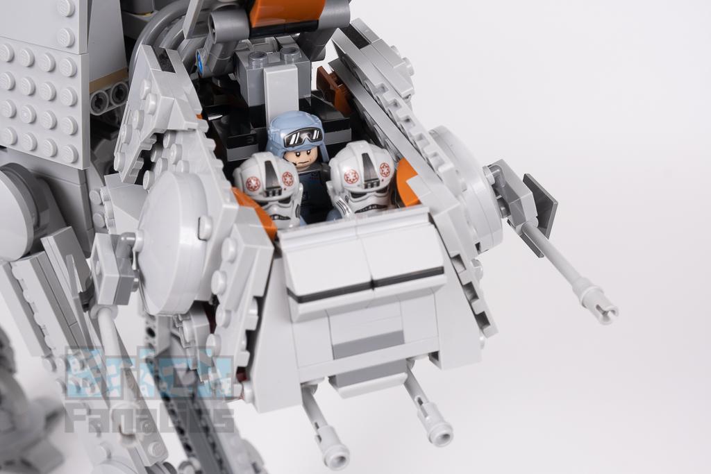 LEGO Star Wars 75288 AT AT 10