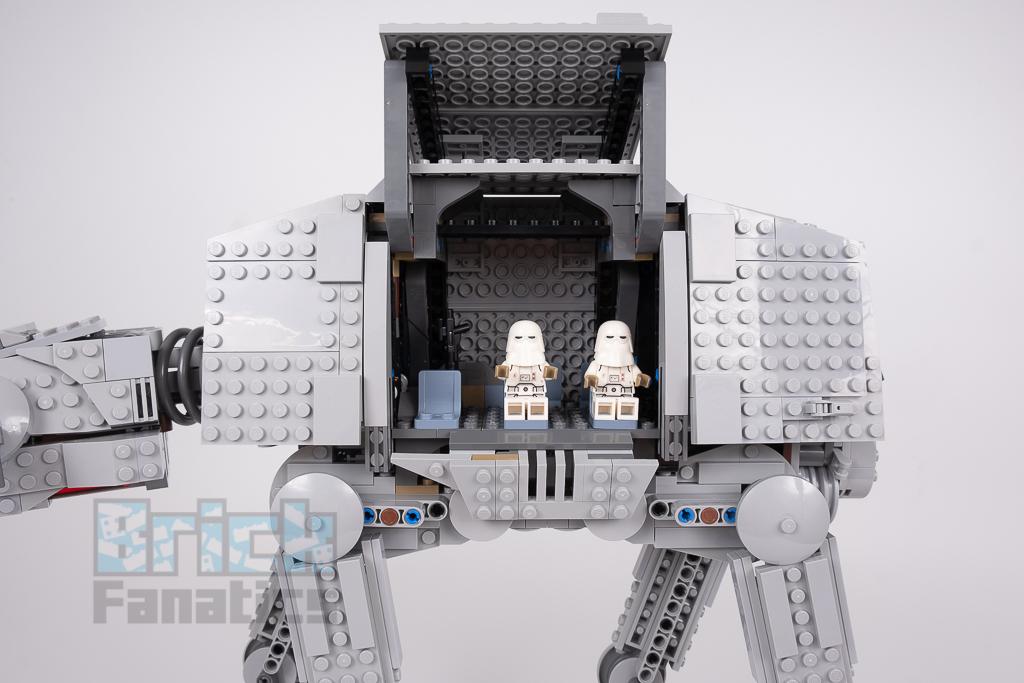 LEGO Star Wars 75288 AT AT 18